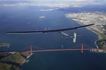 De Solar Impulse 2 komt aan in Amerika.'